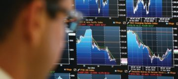 Investors buy up absolute return funds as volatility spikes