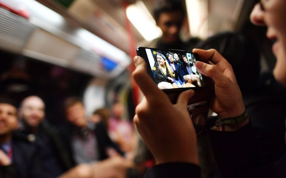 TfL moves step closer to offering 4G mobile coverage on the Tube from 2019 with plans to roll it out to Elizabeth Line and Crossrail 2