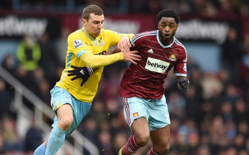 West Ham set to take transfer gamble on Alex Song