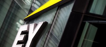 EY continues expansion into law with Thomson Reuters managed legal services acquisition