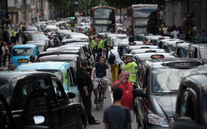 Black cab protest: Police close Victoria Street, Buckingham Gate as United Cabbies Group rails against TfL's lack of support