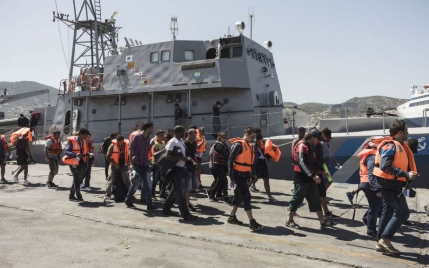 EU Migrant crisis: Prime Minister David Cameron to outline UK plan for refugees