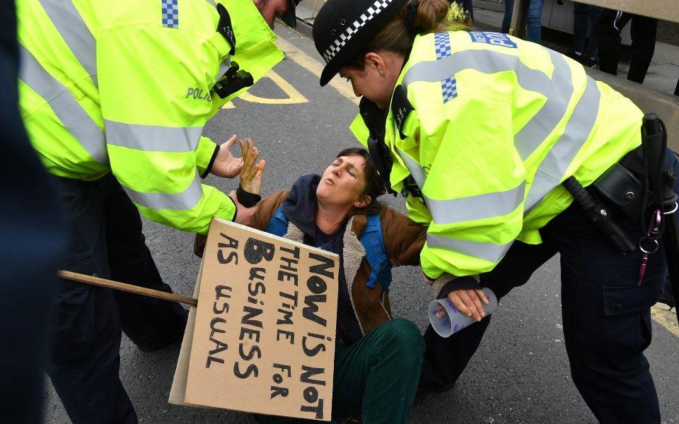Climate change protests: 122 arrests as Extinction Rebellion's London shutdown continues