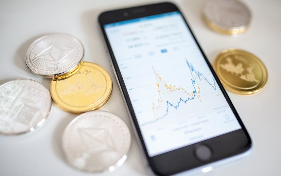 stablecoin price invests in cryptocurrencies
