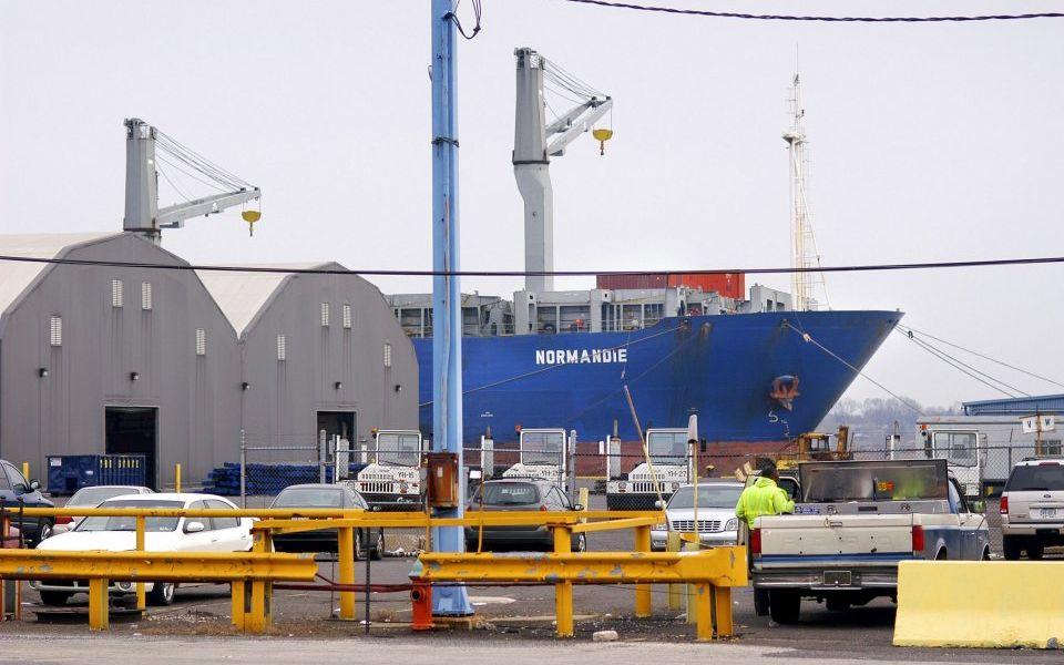 Dubai port owner DP World holds steady as home market shrinks