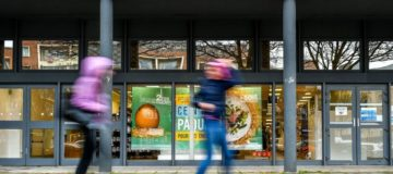 French supermarket Casino expands Amazon delivery deal