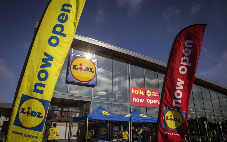 German budget supermarket chain Lidl boosts wages for UK employees