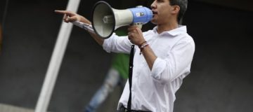 Juan Guaido urges public and military to join Venezuela uprising against President Maduro