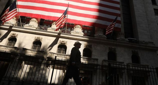 Debate: Should investors panic about a US recession after the Treasury bond yield curve inverted?