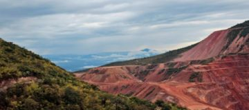 Newmont forms world's largest gold miner with $10bn deal for Goldcorp