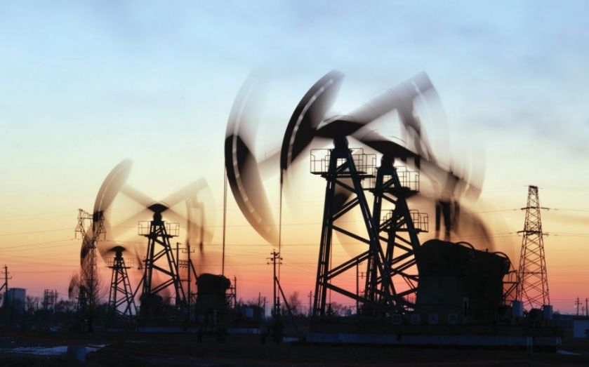 Oil prices at rock bottom: Shares in energy companies plummet – should you purge your portfolio?