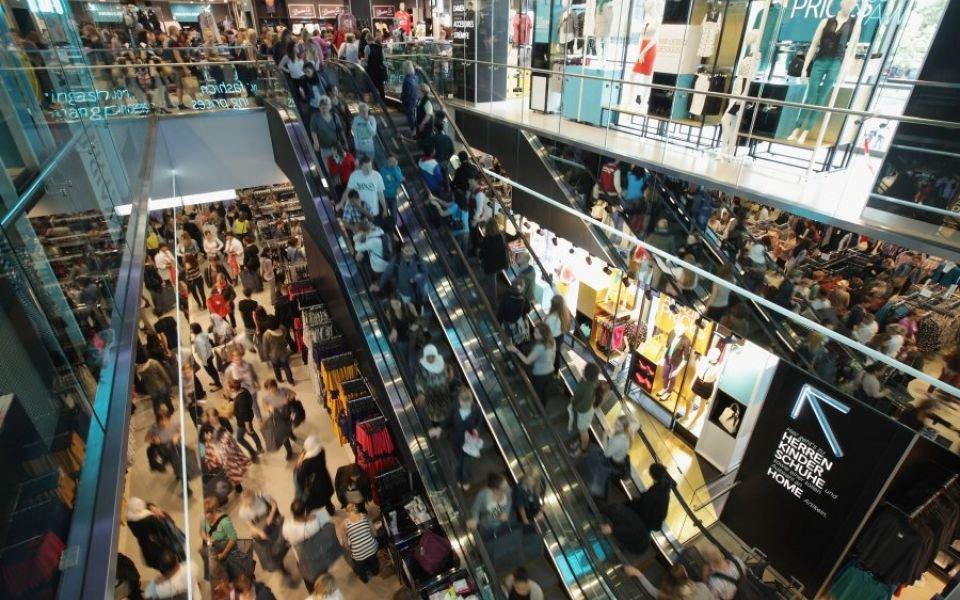 Consumer confidence falls in both Eurozone and EU