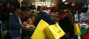 Retail sector suffers worst Christmas in a decade as sales stagnate