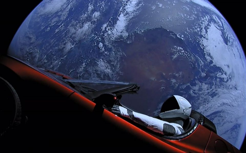 Elon Musk's Space X signs up first private moon flight passenger