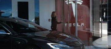 Tesla pledges a return to black as profitability fails to materialise