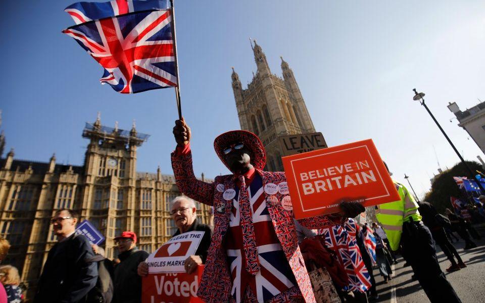 Parliament gets Brexit votes: Pound hits $1.33, FTSE 100 comes off 7,200