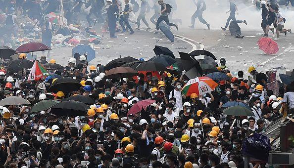 Police fire tear gas at protestors in Hong Kong