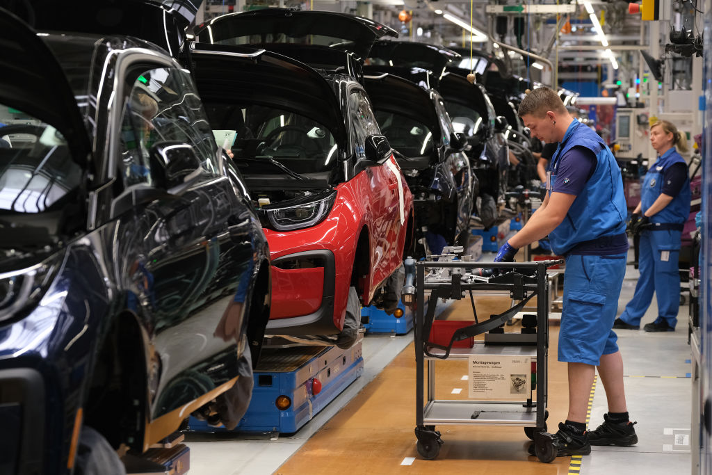 Eurozone industrial production continues to decline in April