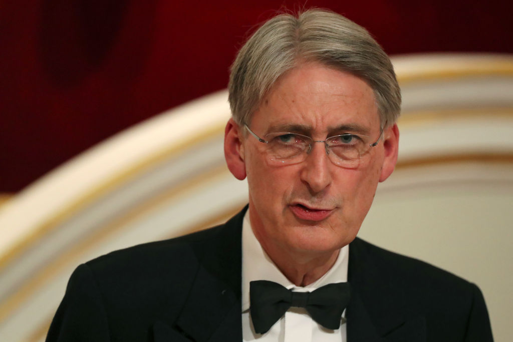 UK budget deficit grows as Hammond nears exit