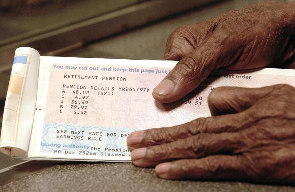 Women fall behind on pension saving