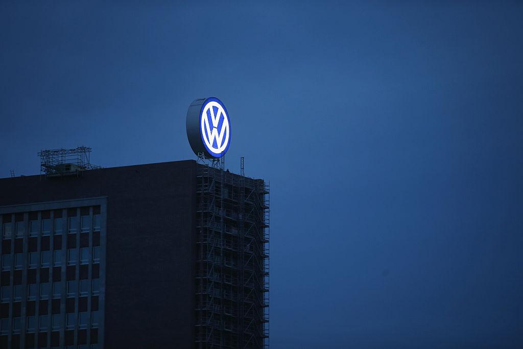 Volkswagen to cut thousands of jobs in €4bn modernisation drive
