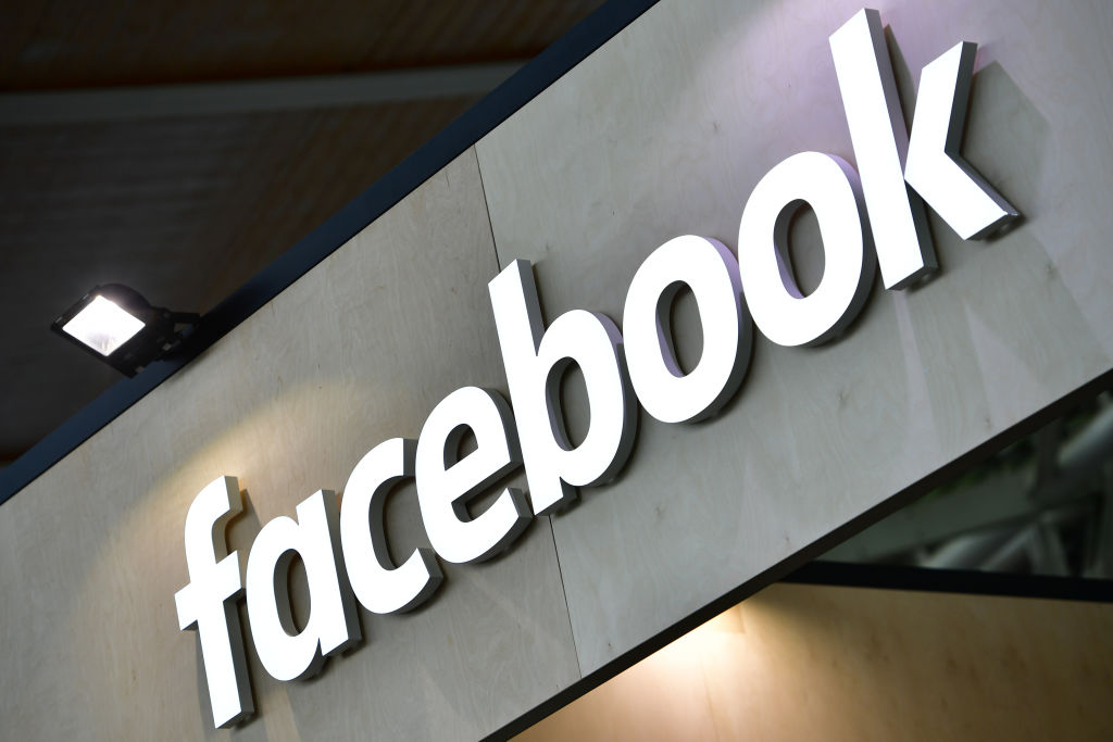 Facebook poaches StanChart exec ahead of crypto launch