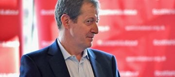 DEBATE: Was it right for Labour to expel Alastair Campbell because he voted for the Liberal Democrats?