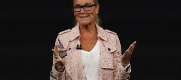 Former Apple retail head Angela Ahrendts appointed to Airbnb's board