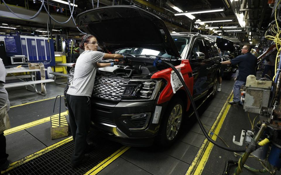 US manufacturing sector grows at slowest rate in 10 years in May