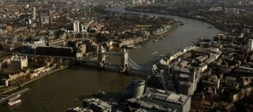 London's status as headquarter hub threatened by immigration rules, report warns