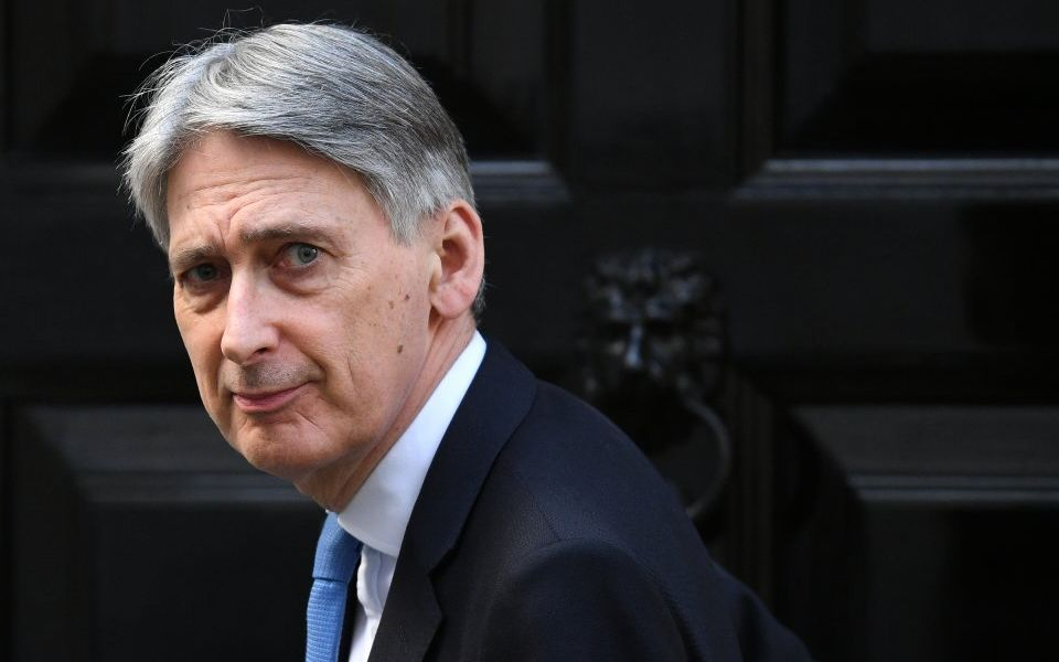 Philip Hammond warns Tory leadership candidates against pursuing no-deal Brexit