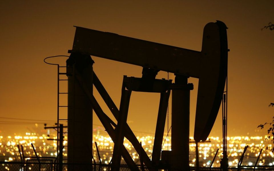 Brent crude oil prices plummet nearly five per cent after US inventories surge