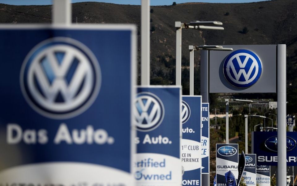 Volkswagen squirrels away €1bn contingency fund to pay emissions scandal legal fees