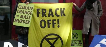 "Government bans fracking ""with immediate effect"""
