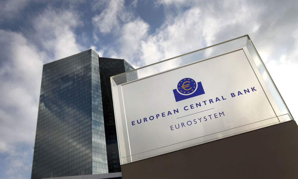 Euro falls as meeting minutes show ECB ready to ease rates
