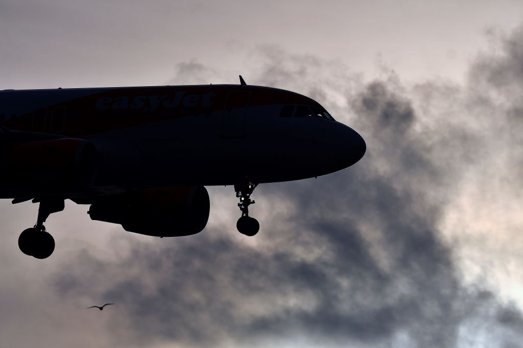 Air traffic control error causes flight delays at Heathrow, Gatwick and London City airports