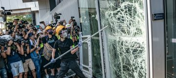Hundreds of protesters storm Hong Kong's government headquarters