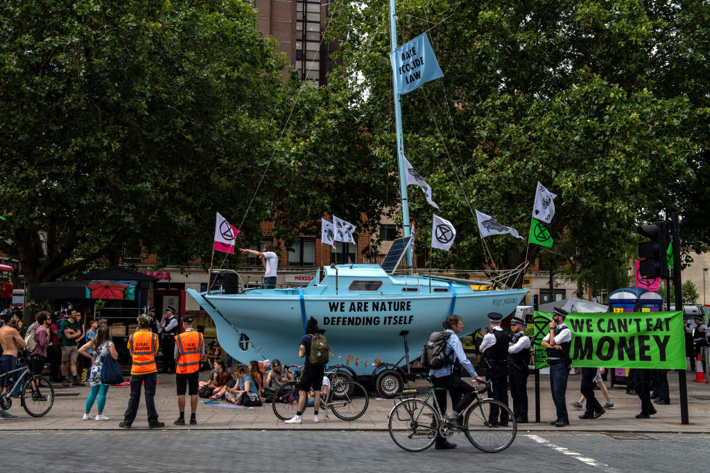 Police ban Extinction Rebellion's boats on last day of London protests