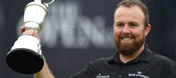 Shane Lowry deals with the pressure to complete his first Major win at the Open Championship in Portrush