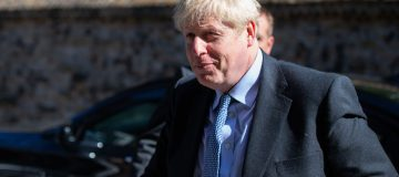 Boris Johnson considering suspending parliament to force through a no-deal Brexit