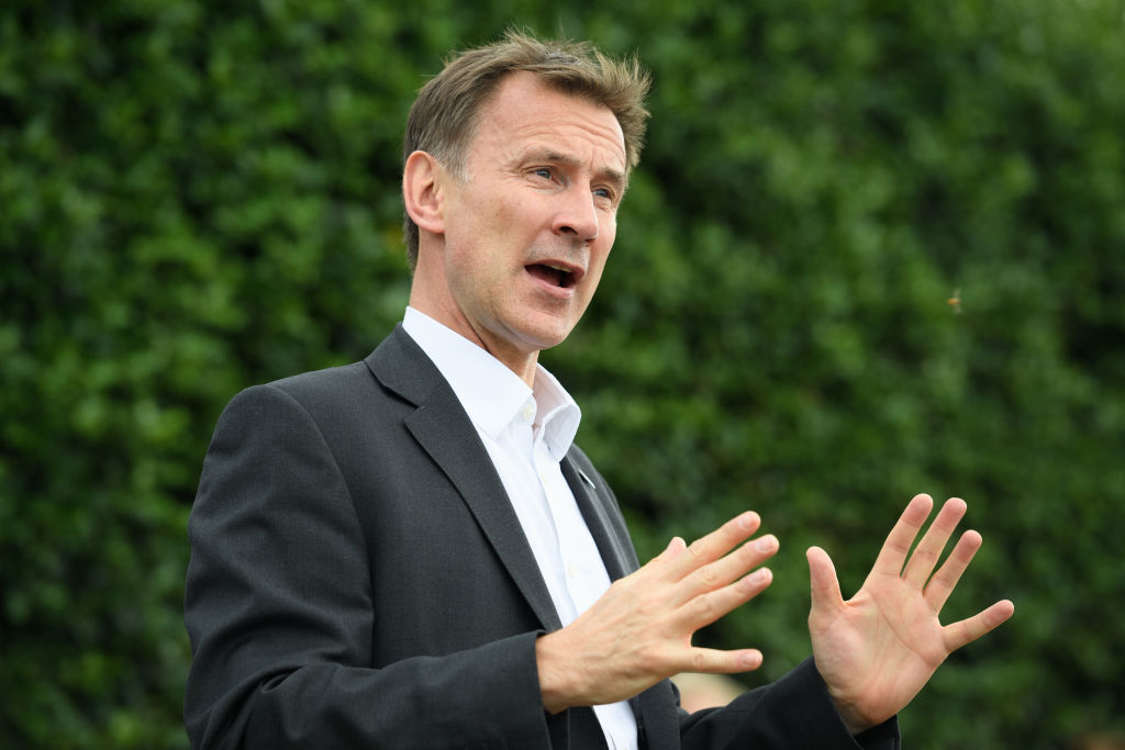 Jeremy Hunt warns Iran of 'serious consequences' over seizure of British-flagged oil tanker