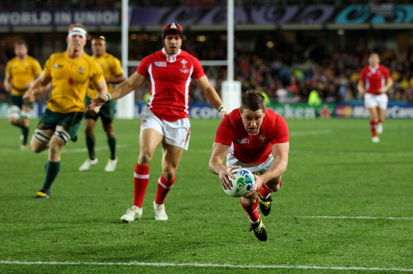 AUCKLAND, NEW ZEALAND - OCTOBER 21:  Shane Williams of Wales goes over to score a try during the 2011 IRB Rugby World Cup bronze final match between Wales and Australia at Eden Park on October 21, 2011 in Auckland, New Zealand.  (Photo by Alex Livesey/Getty Images)