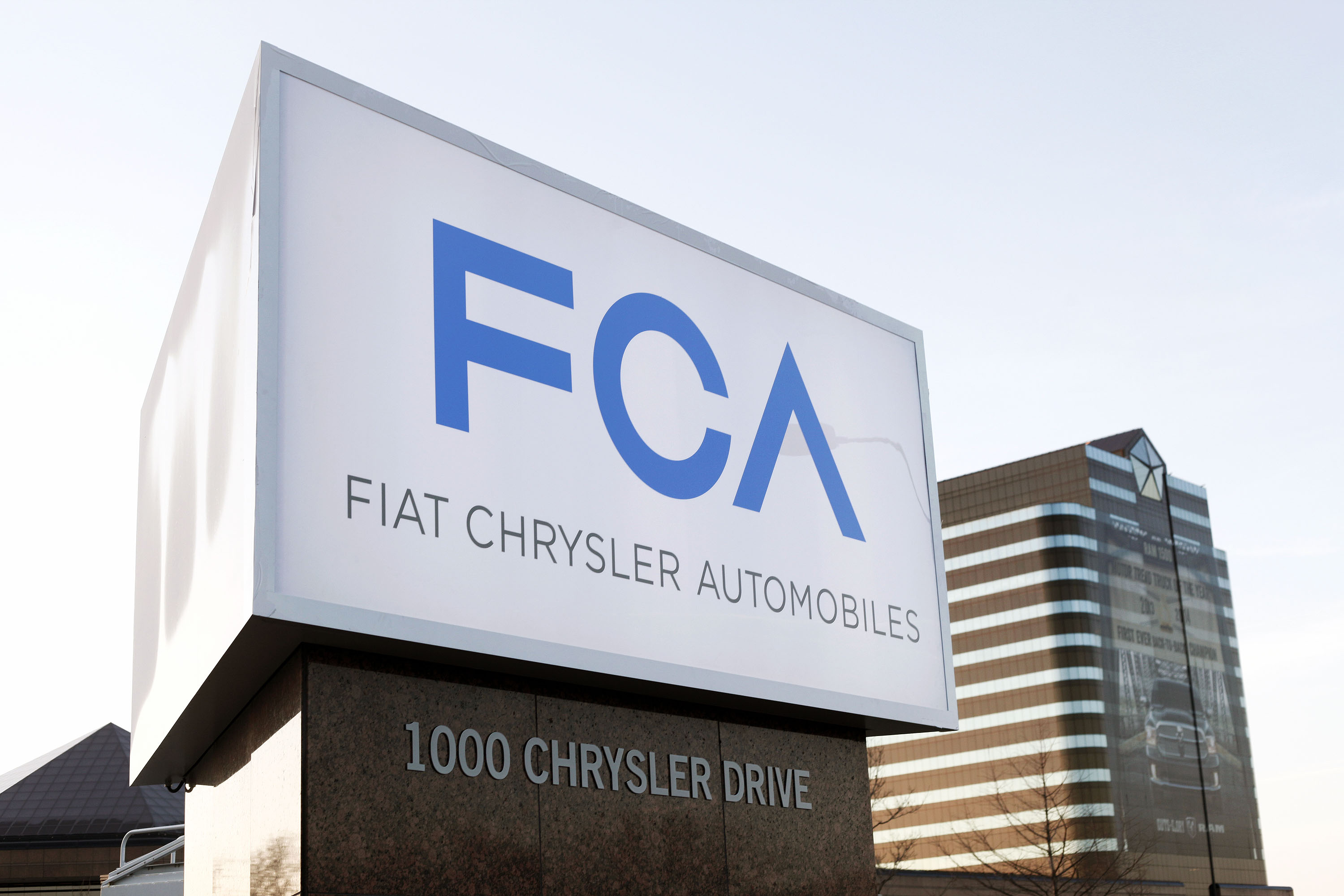 Fiat Chrysler defies global car industry woes, beating analyst forecasts