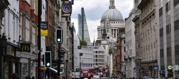 Freshfields increases partner pay to £1.84m