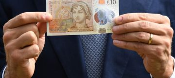 Sterling edges higher on UK no-deal Brexit readiness