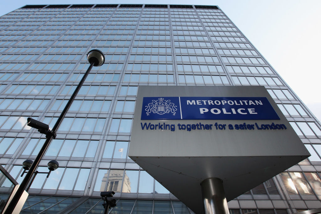 The Metropolitan Police's website and Twitter suffer from bizarre hack