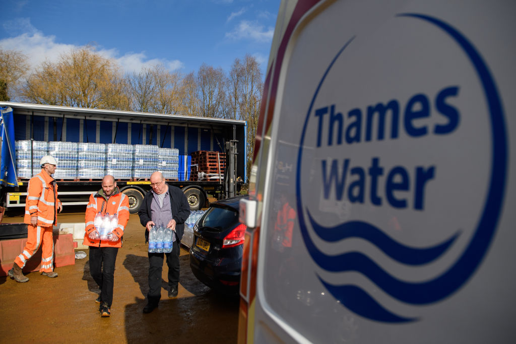 Thames Water execs pocket £800k bonus as 650 jobs at risk