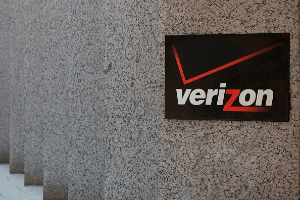 The Verizon logo is seen outside a building in Washington, DC, on July 9, 2019. (Photo by Alastair Pike / AFP) (Photo credit should read ALASTAIR PIKE/AFP/Getty Images)