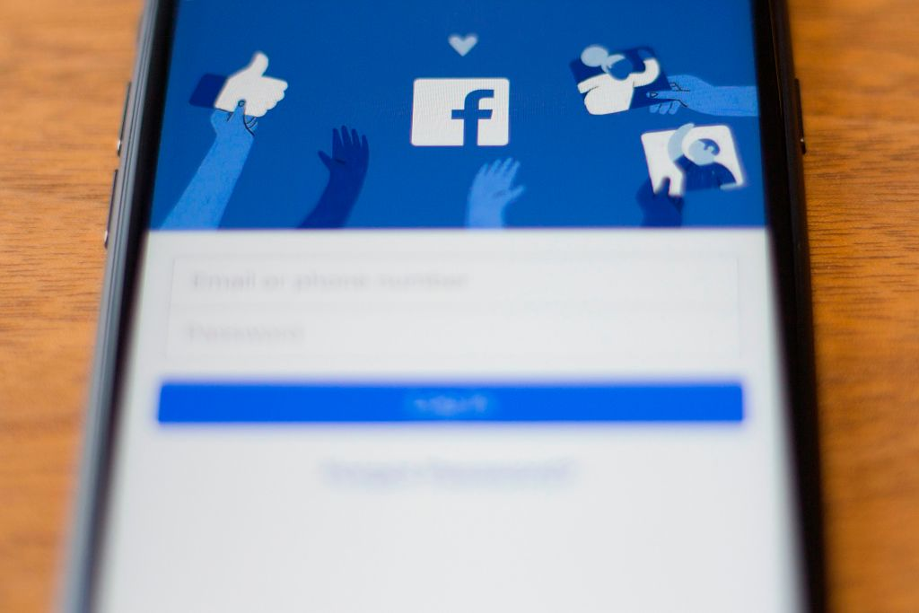 Facebook 'still flooded with fake reviews' despite regulator