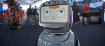 Public mistrust in AI 'puts UK tech dominance at risk'